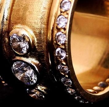 Peter-farrow-jewellery2