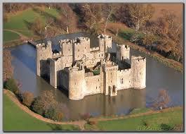 Bodiam-castle-near-Rye-Bay3